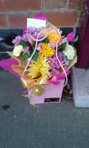 Gift-Bag-Pink-Yellow-01-e1473433791234