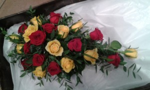 Wedding-Red-Yellow-Bouquet-01